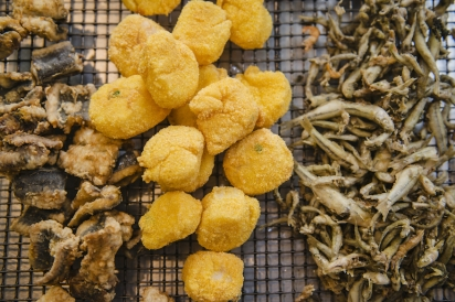 Fried eel, scallops and smelts