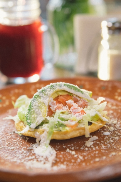 Sopes and hibiscus iced tea